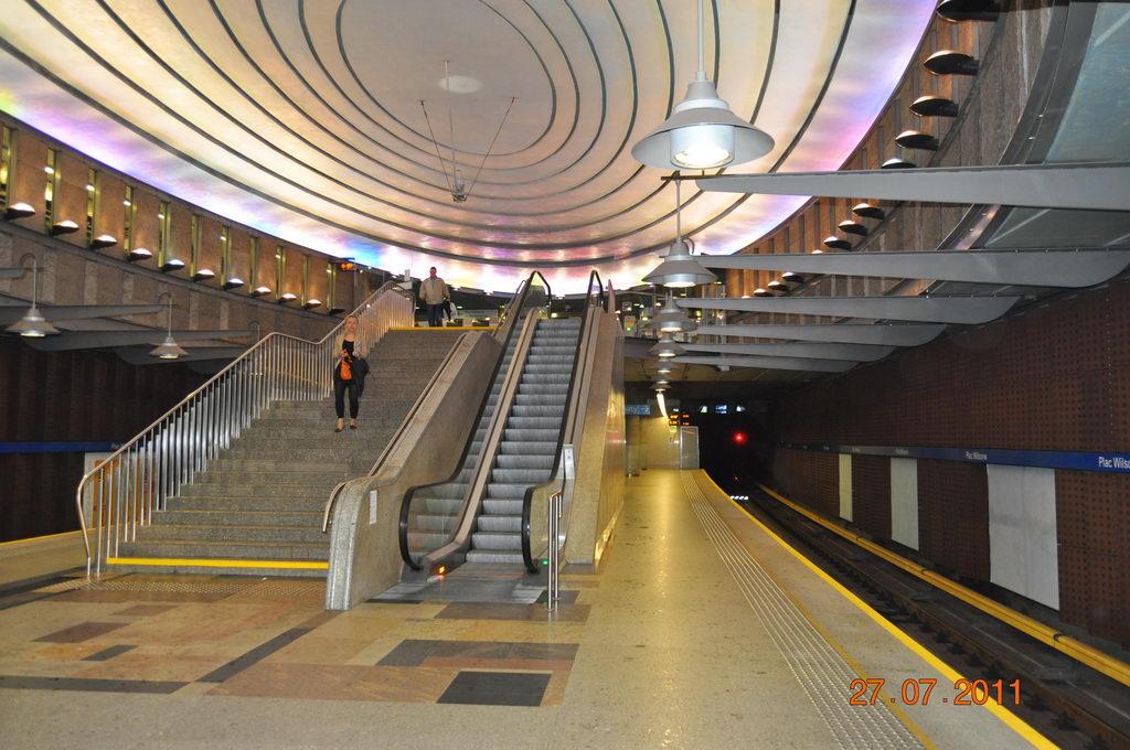 Stacja Metra Plac Wilsona nie przestaje zachwycać